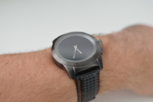 ZeTime Brushed Titanium mit NATO Black + Red